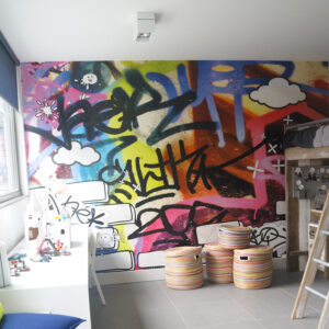 kinderkamer-ontwerp-kleur-behang-grafiti